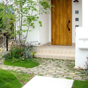 garden_16052005
